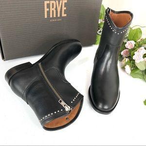 Frye Melissa stud short black boots size 6.5B (A18